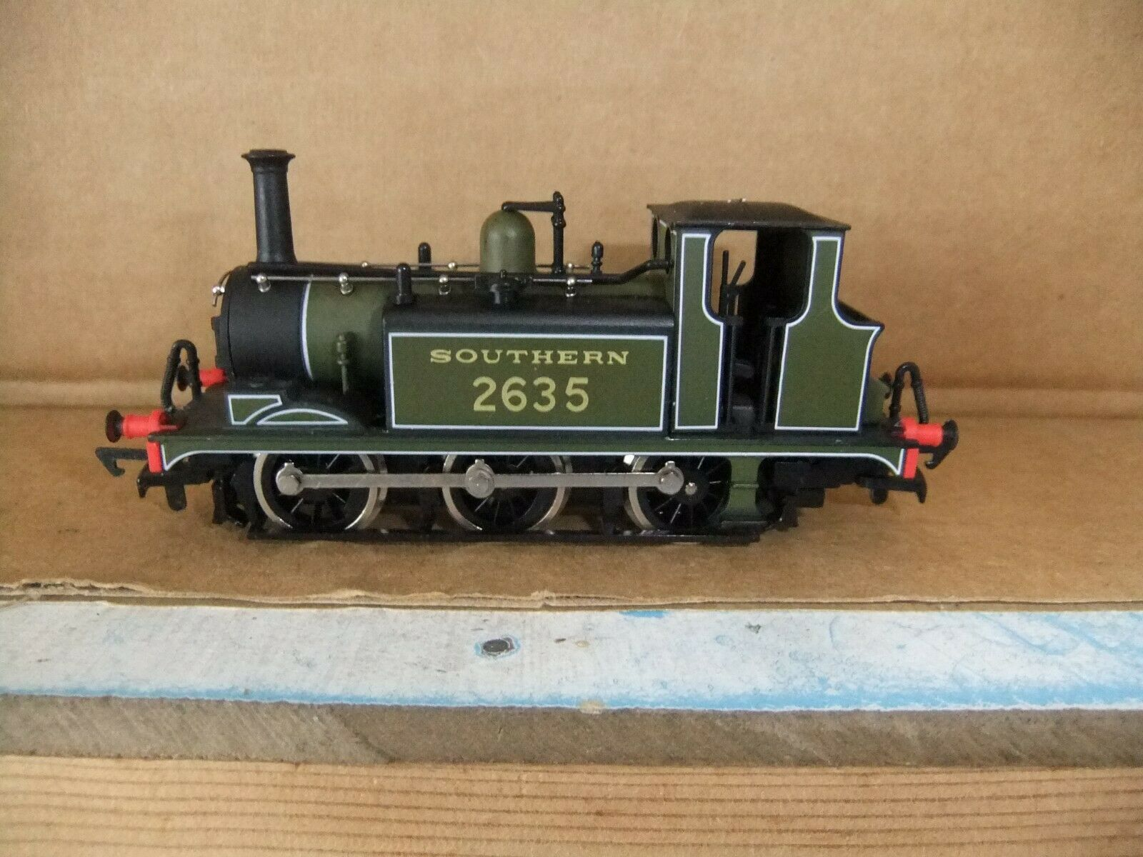 Dapol D70 060 Terrier Tank loco SR verde Livery 2635, scatolaed