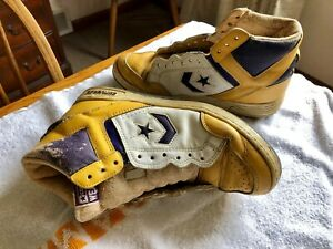 7b29910a4 La foto se está cargando Converse-arma-Oro-Cuero-Tenis-Lakers-Magic-Johnson-