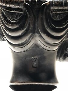 Antique-Asian-Signed-Solid-Bronze-Sculpture-on-Museum-Stand-Buddha-Religious