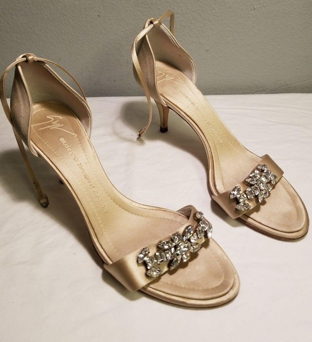 Giuseppe Zanotti Vicini satin Vero Cuoio Größe 40, 9.5 Jeweled Schuhes Heels