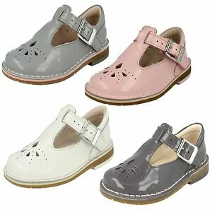 3b565ae5789 Infant Girls Clarks  Rounded Toe Smart Buckled First Shoes - Yarn ...