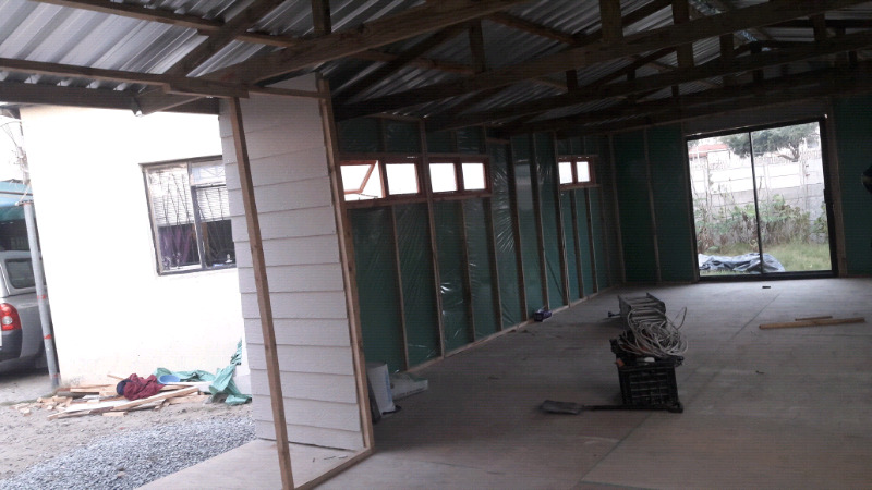 Nutec house ; board lining & ceiling