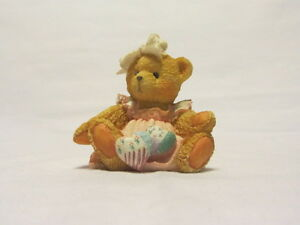 CHERISHED-TEDDIES-AMY-HEARTS-QUILTED-WITH-LOVE-BEAR-WITH-PILLOWS-FIGURINE-MIB