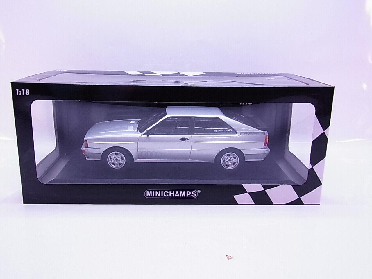 Audi Quattro 1980 silber Modellauto 1:18 Minichamps