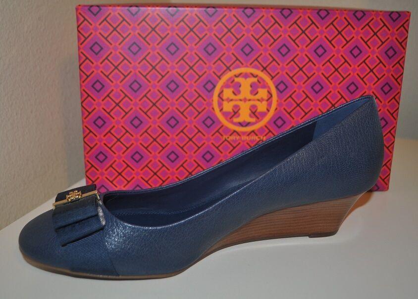 Nuevo en caja con el logotipo de de logotipo Tory Burch Trudy arco 45mm Bomba De Cuña Zapato Newport Azul Marino 11, M b12614