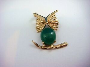 !CUTE 14K YELLOW GOLD OWL VINTAGE BROOCH WITH 3 CT JADE, 4.7 GRAMS, 1 INCH LONG