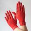 Gants-courts-rouges-en-resille-chainettes-sur-le-dos-de-la-main-pinup-retro-glam miniature 3