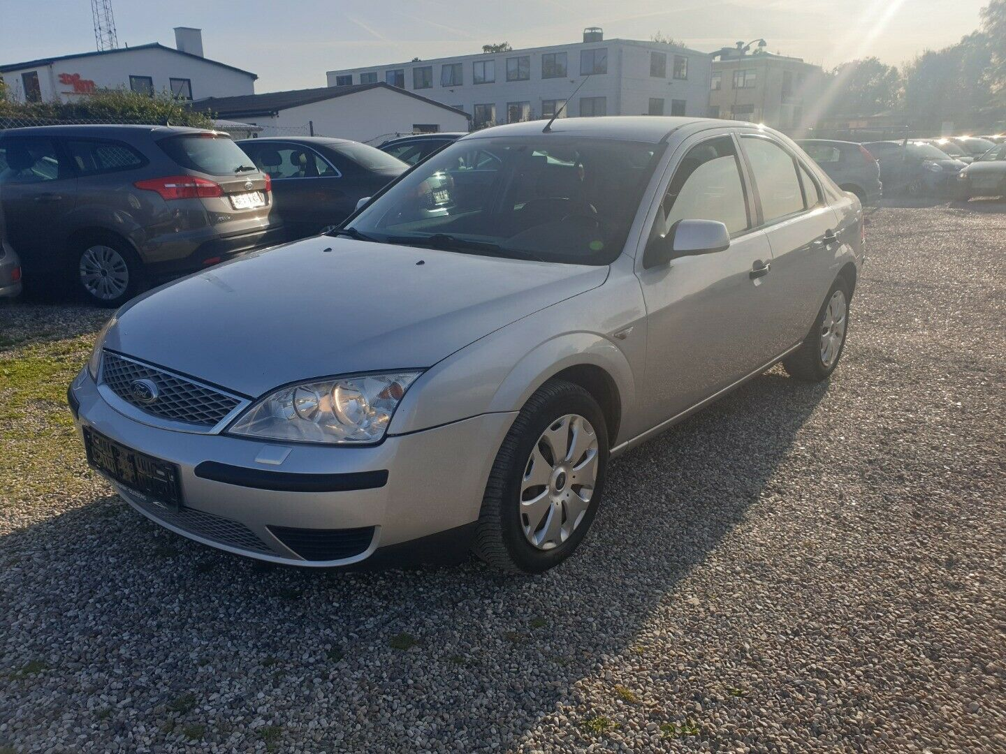 Ford Mondeo 1,8 Active 110 4d - 16.900 kr.