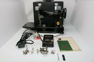 Vintage-1948-Sewing-Machine-SINGER-Featherweight-221-1-in-Excellent-Condition