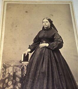 Antique-American-Civil-War-Victorian-Era-Fashion-Woman-Rhode-Island-CDV-Photo