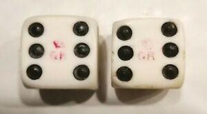 Antique-LARGE-George-Rex-tax-dice-in-bone-Set-of-2-Des-en-os-bovine-dice