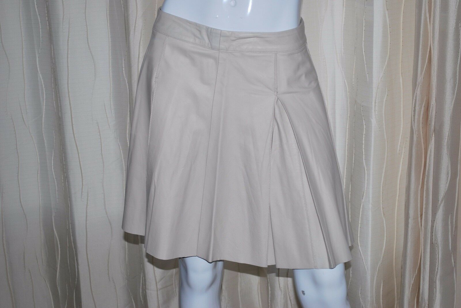 PJK  Leather Beige Box Pleated Above Knee A Line Skirt Sz M