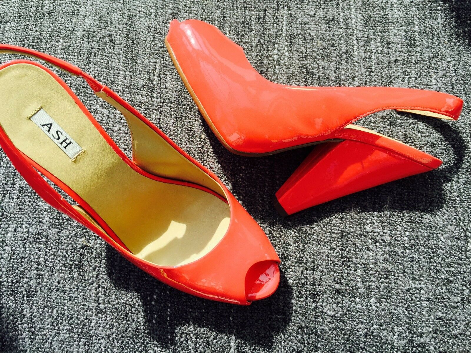 Ash 50's style peep toe patent coral schuhe, Größe 5