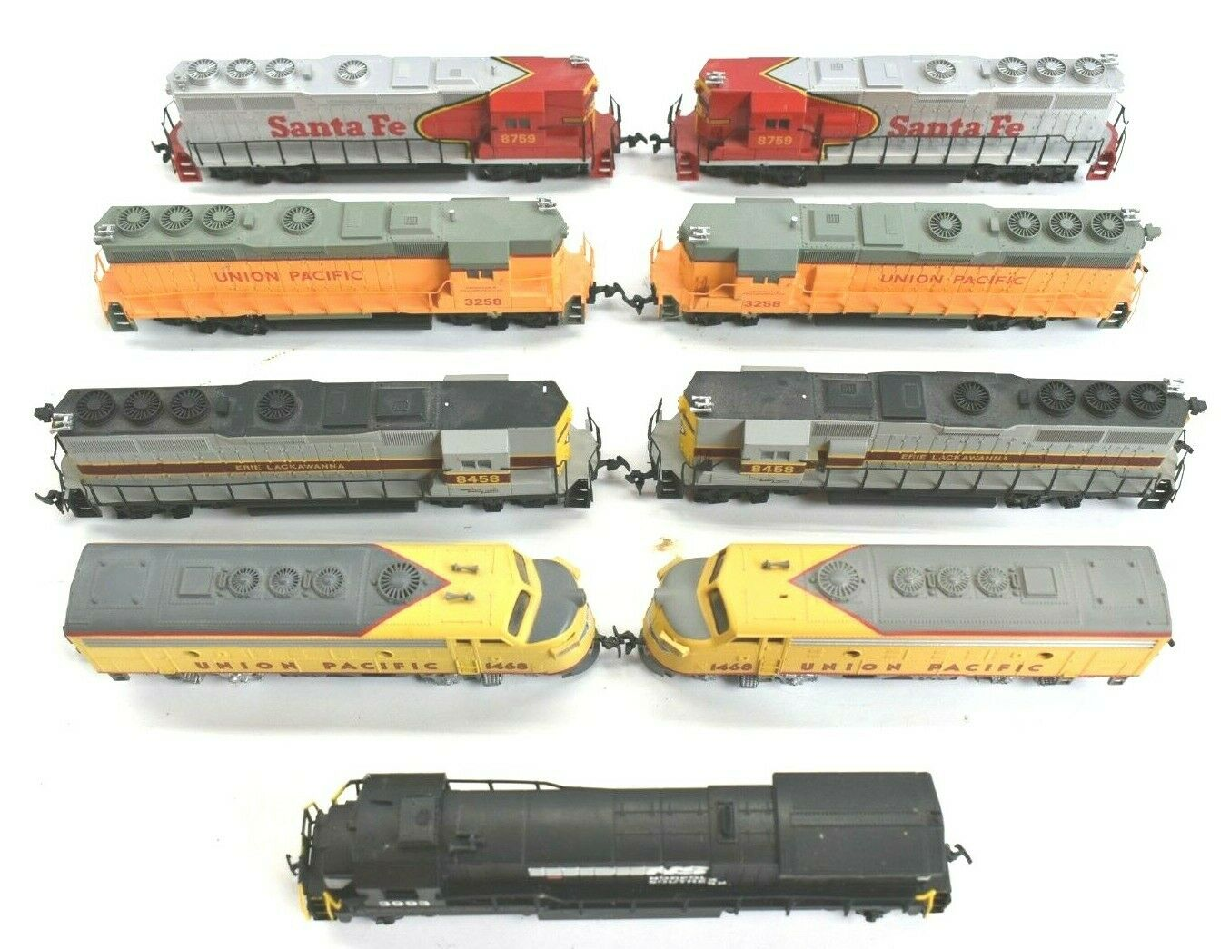 Lot of 9 Bachman HO Scale Locomotives Powerot & Dummy GP-40 UP Santa Fe NS