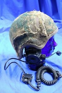 South-African-Army-Tankers-head-protection-With-communications-equipment