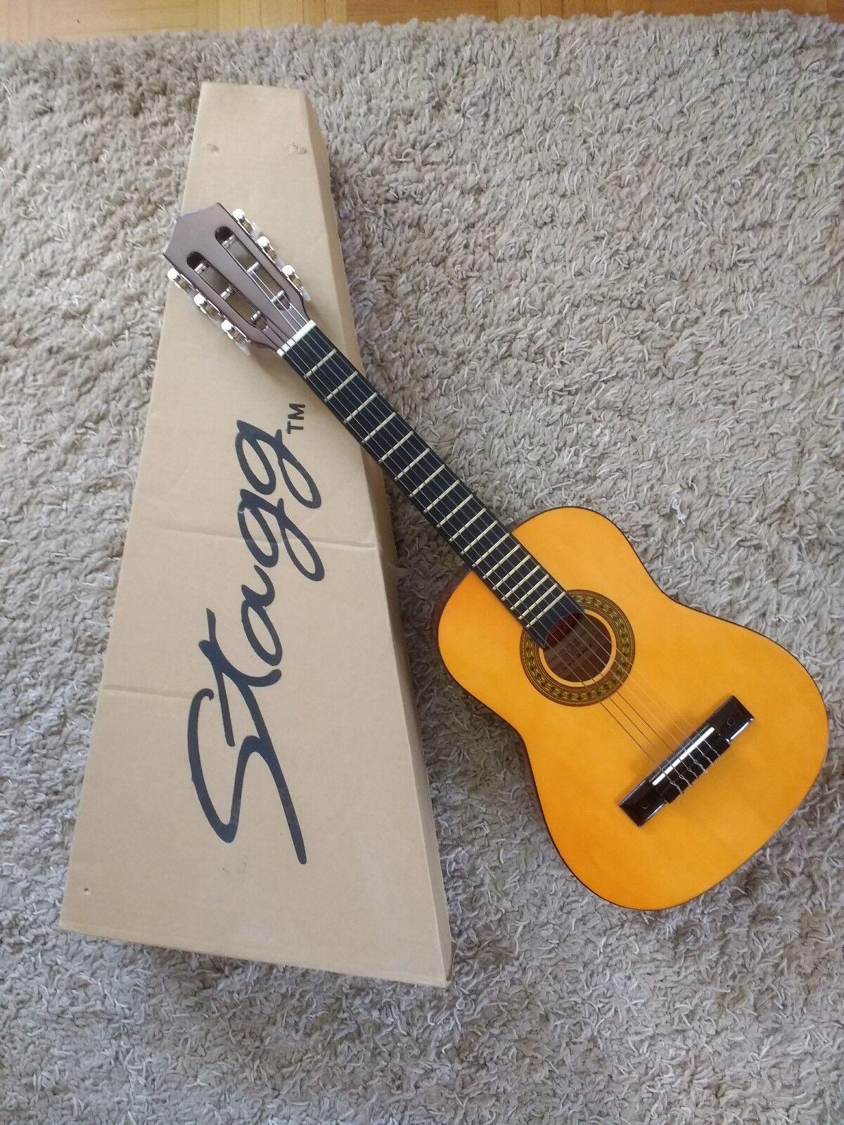 1 2 Kindergitarre Stagg , Akustische Gitarre ,