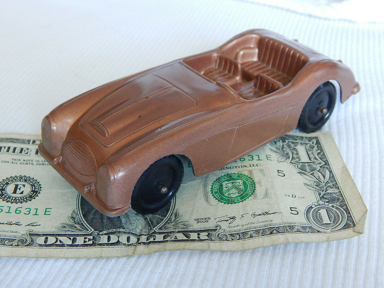 TOOTSIETOY Vtg 1955 AUSTIN HEALEY 5  Copper Bronze Congreenible Diecast Metal Car