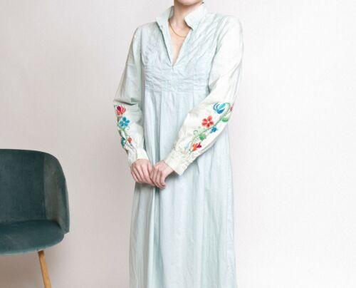 Vintage 70s pastel blue floral embroidered puff sl