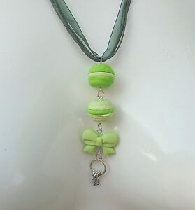 Collier-MACARONS-vert-pistache-en-Fimo-idee-cadeau-sachet-offert-Modele-Unique