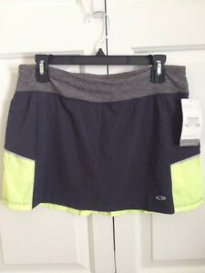 NWT CHAMPION WOMENS SKIRT SKORT WITH BUILT SHORTS SIZE M