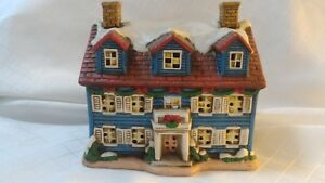 Lefton-THE-WELCOME-HOME-Colonial-Christmas-Village-05824-HOLIDAY-1986-C2