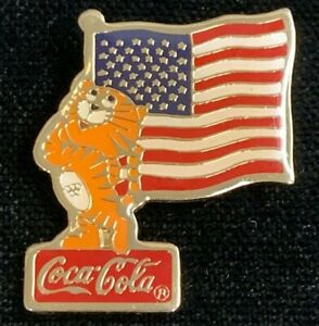 Rare-Vintage-1985-United-Sates-Flag-W-Tiger-Coca-Cola-Advertising-Pin-WPIN124