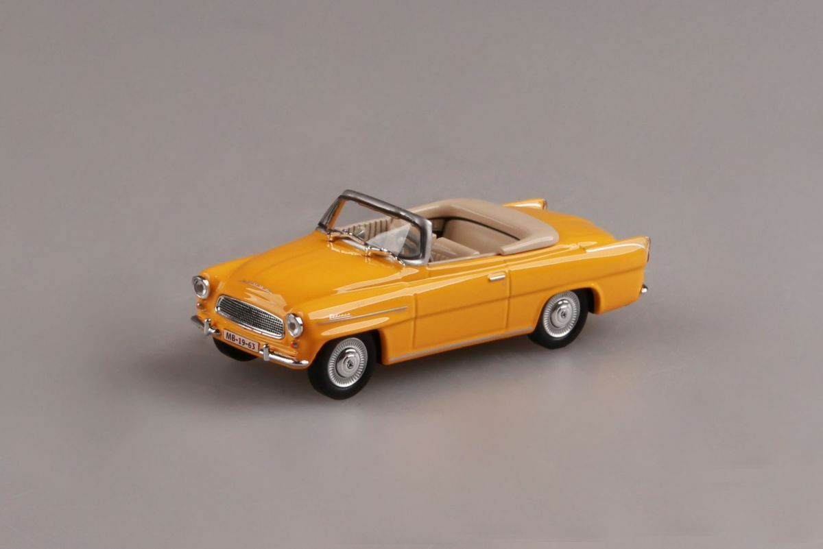 ABREX SKODA FELICIA ROADSTER 1963 YELLOW DIE CAST METAL 1 43 NEW IN PLASTIC CASE