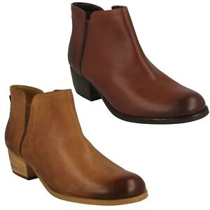 2ecd663f5f7c Image is loading LADIES-CLARKS-LEATHER-LOW-HEEL-CHELSEA-ANKLE-BOOTS-
