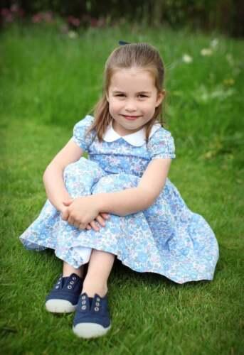 Conte de las comisiones y tarifas Digital Pdf patrón de costura para 8-10 años Niña Vestido de Charlotte