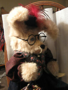 Rabbit-Artist-made-17-034-victorian-outfit-hat-glasses-purse-jointed-PRISTINE-WOW