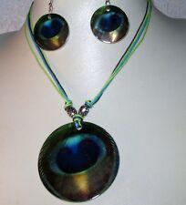 Set: Halskette mit Perlmutt-Scheibe, Muschel-Anhänger + Ohrhänger, Motiv: Pfau