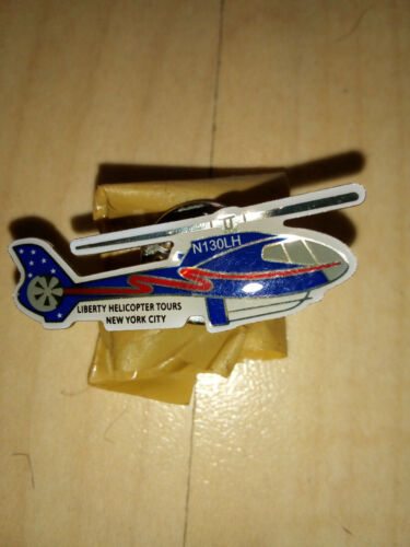 BADGE LIBERTY HELICOPTERS  AIRLINES   PIN