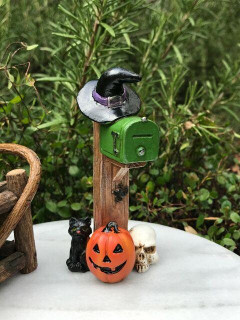 Miniature Dollhouse FAIRY GARDEN Accessories ~ Set of 4 Pumpkins Halloween ~ NEW