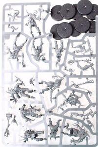 Warhammer-40k-Death-Guard-Nurgle-Poxwalkers-set-of-10-miniatures-on-sprue