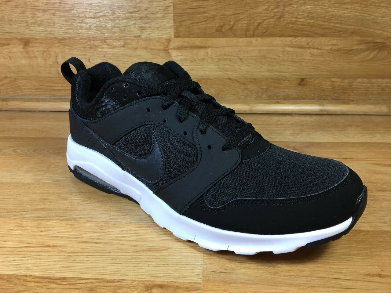 NIKE AIR MAX MOTION / BLACK - ANTHRACITE - WHITE / MEN'S SIZE 10.5