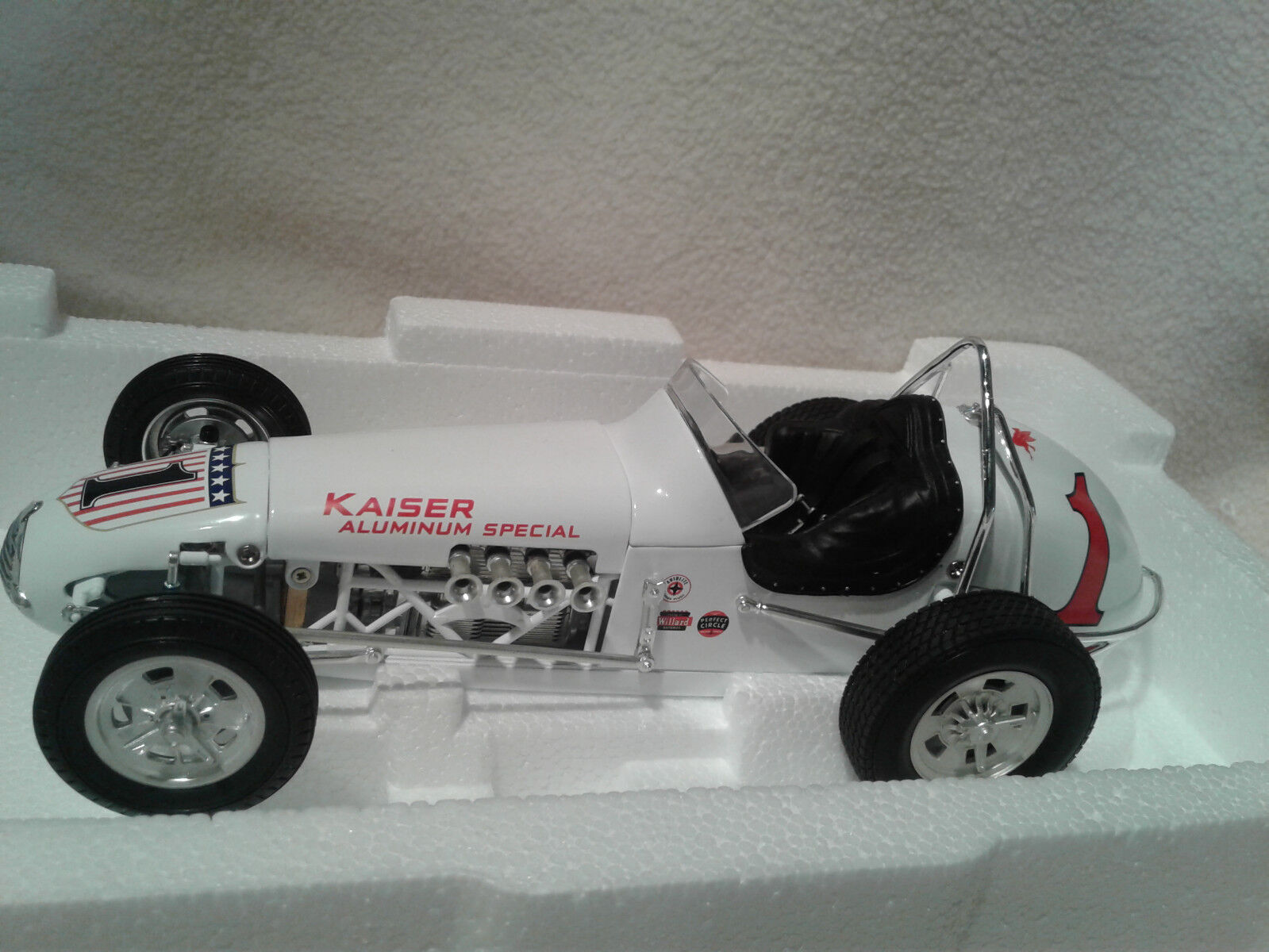GMP 7621 RODGER WARD No.1 Kaiser aluminium spécial Dirt Champ 1 18