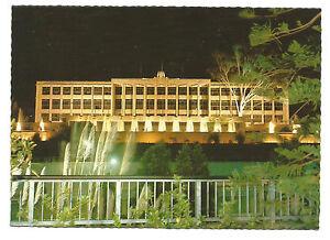 WA-c1970s-POSTCARD-PARLIAMENT-HOUSE-AND-FOUNTAINS-AT-NIGHT-PERTH-WA