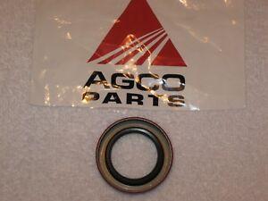 OEM Allis Chalmers Engine Clutch Shaft Seal Retainer-Trans Input Shaft 70256909