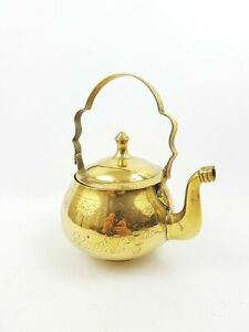 SMALL-VINTAGE-INDIAN-BRASS-ETCHED-DECORATIVE-TEAPOT