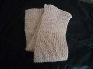 ECHARPE-ROSE-dim-13-110-cm-acrylique-laine-tricotee-a-la-main