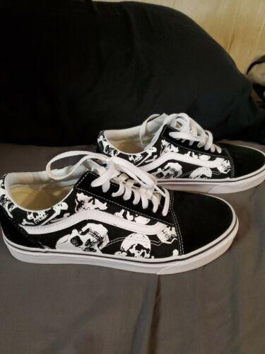 Men's Skull Van Shoes Size 8