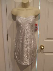 NWT-trixxi-silver-party-cocktail-holiday-built-in-bra-dress-size-junior-large