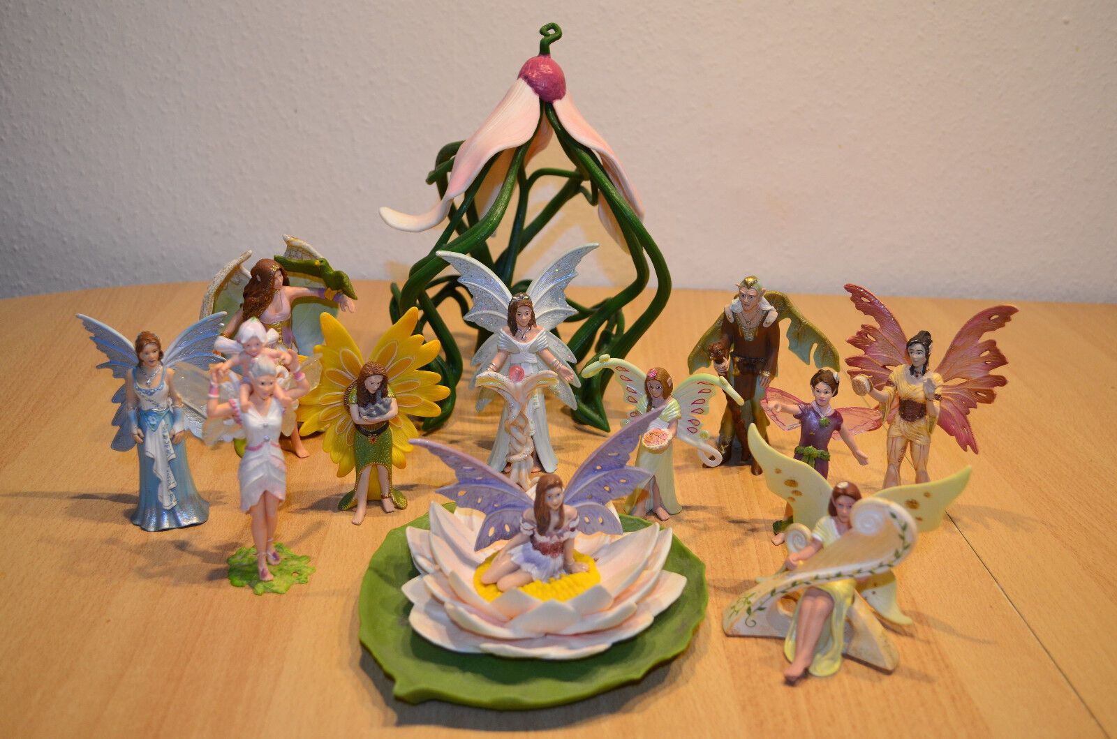 Schleich Figuren Elfen mit Pferden, Stiefel und Elfenhaus Sommergrün