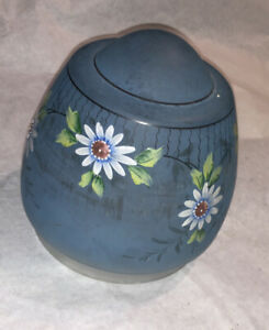 Vintage-Blue-Hand-Painted-Enameled-Daisy-Floral-Lamp-Glass-Shade