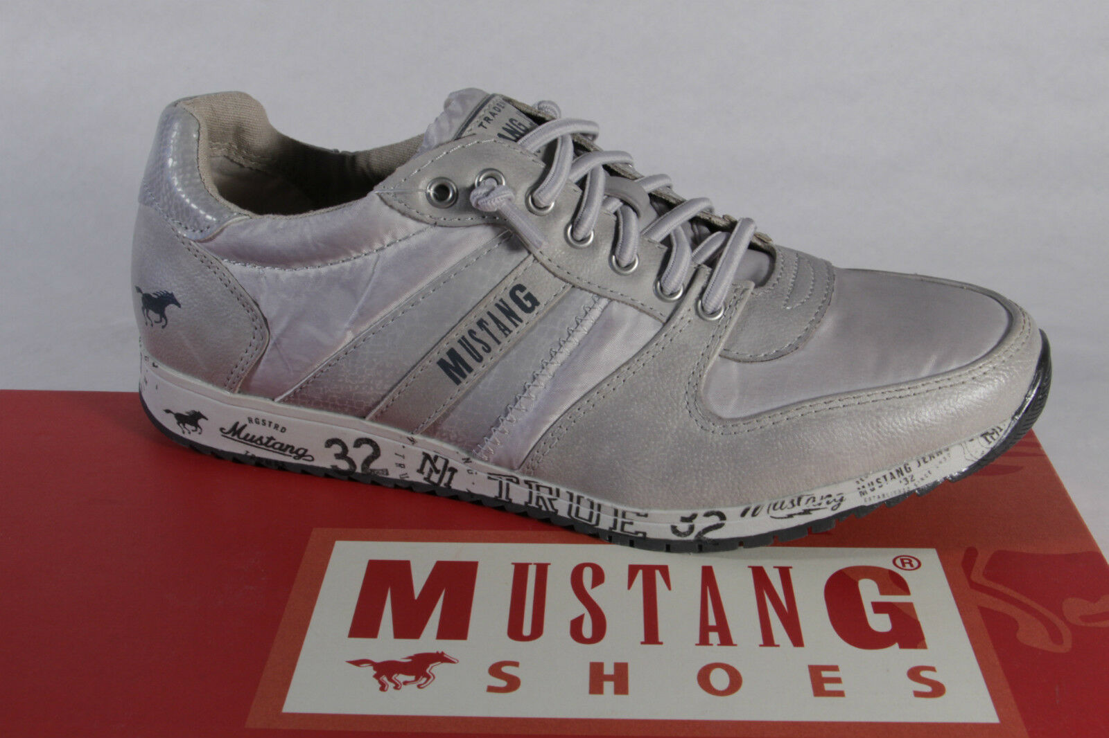 Zapatos promocionales para hombres y mujeres Mustang Slipper Sneakers Sportschuhe Halbschuhe Kunstleder grau NEU