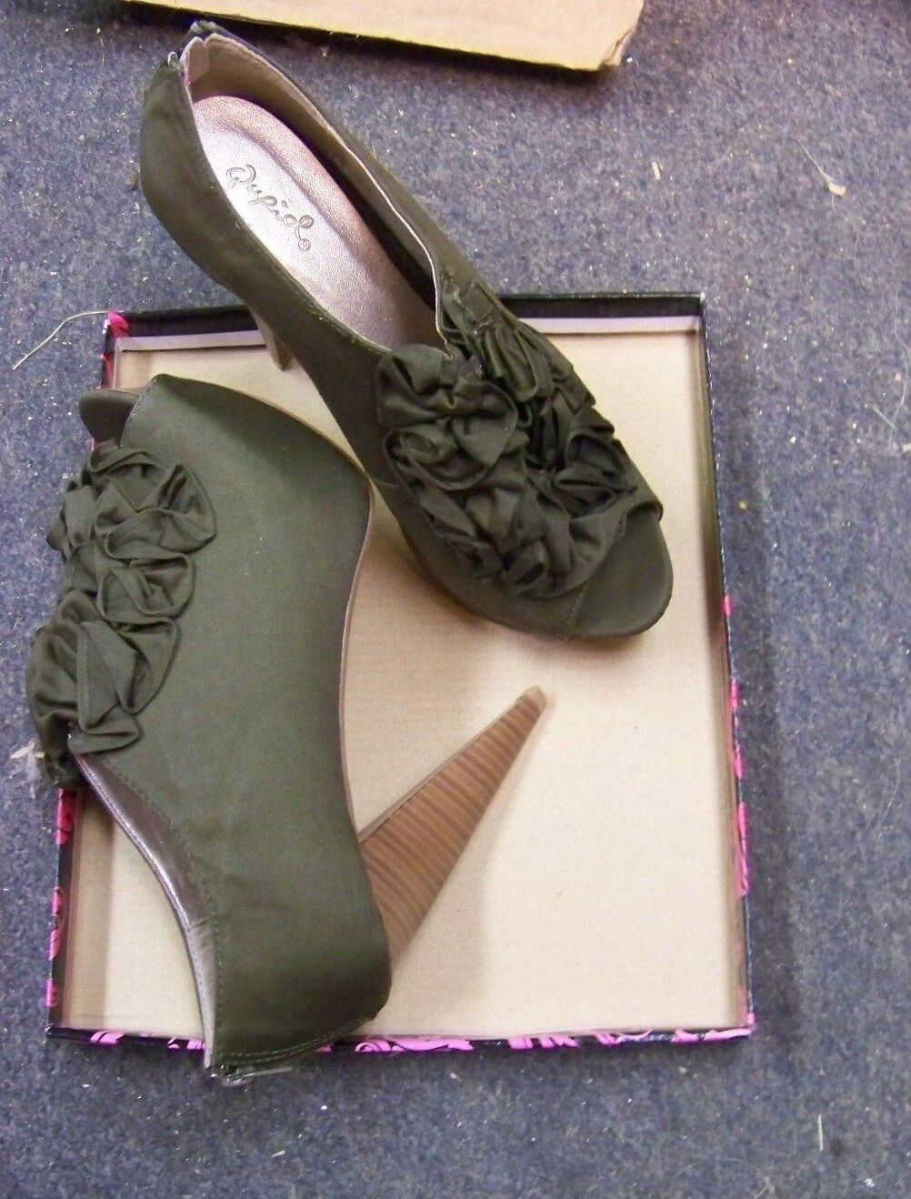 womens qupid olive fabric ruffled open shoes zip back booties heels shoes open size 8 4cb943