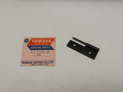 NOS YAMAHA 811-77476-00-00 ENGINE COWL HINGE 2 SW396 SL338 EW433 TW433 EW643