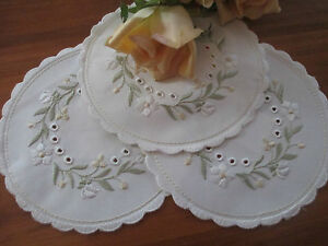 TRIO-OF-GERMAN-SAMINA-SILK-EMBROIDERED-LACE-TABLE-CENTRES