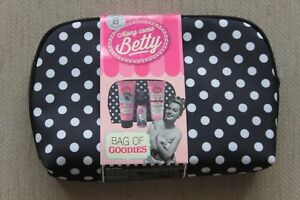 Along-Came-Betty-Bag-of-Goodies-Gift-Set-NEW-Body-Lotion-Bath-Soak-Body-Mist