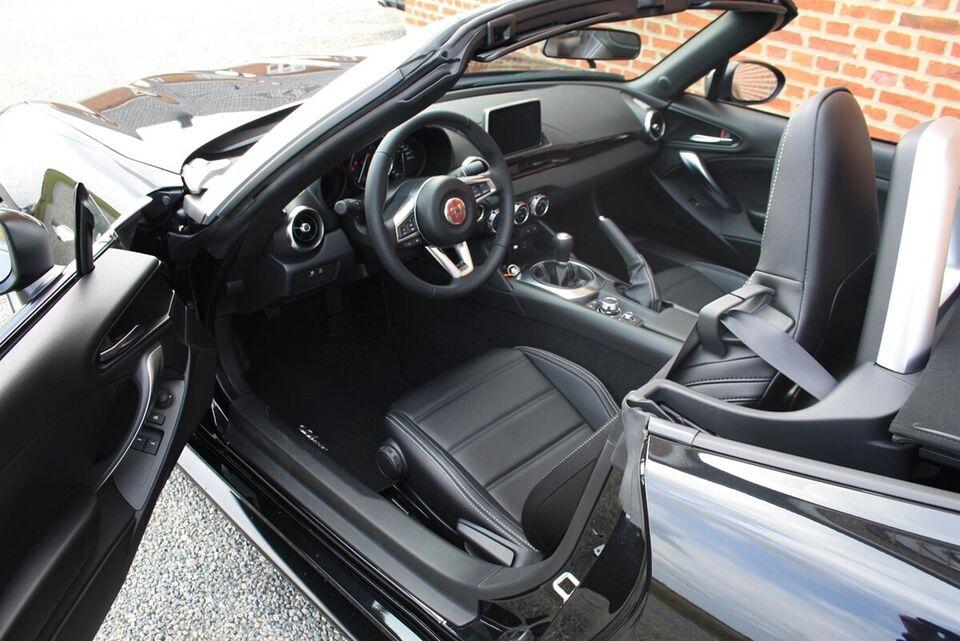 Fiat 124 Spider 1,4 M-Air 140 Lusso Benzin modelår 2016 km